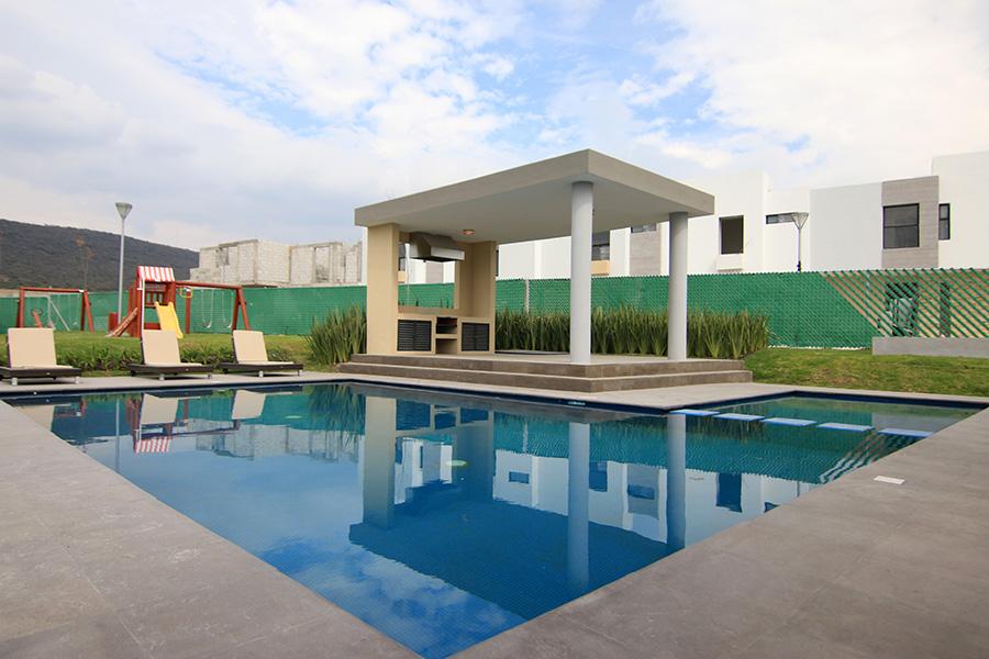 Casas en Querétaro - Alberca - Alanna Reisdencial